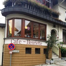 23. Juli  2018 Montagsstricktreff im Café Henriette in Forbach im Murgtal