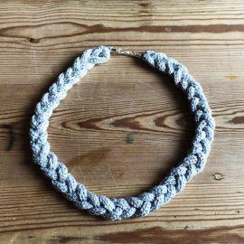 Silberschnur geflochten