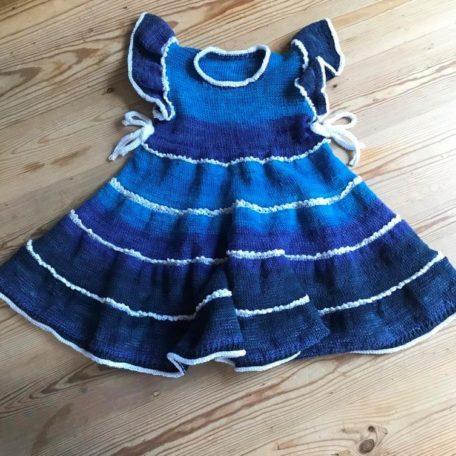 Eigenmodell Kleidchen aus Zauberball Cotton